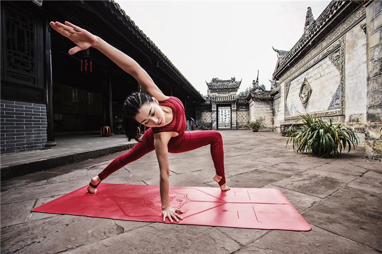 西安零基础瑜伽教练培训公司关于身体僵硬可不可以链瑜伽的分析,来看看
