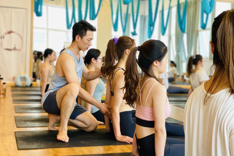 恒合瑞吉瑜伽成都校区2021年3月会员课程表