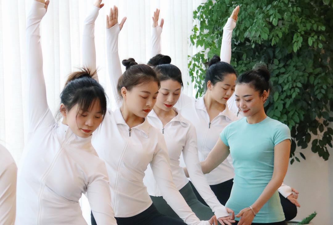 恒合瑞吉瑜伽成都校区零基础教练培训班2021.4.26开班