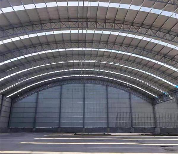 钢结构厂房内景