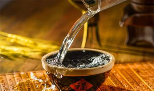 怎样自酿高粱酒,自制高粱酒的酿造方法