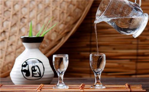 原漿酒是什么意思 能直接喝嗎 原漿酒和勾兌酒的區別?