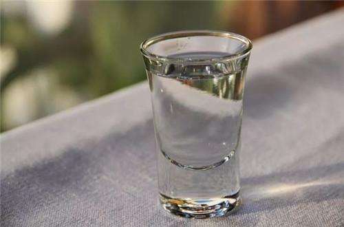 细说喝原浆酒和普通白酒的区别.