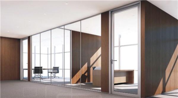 浅谈下客厅用玻璃做隔断的好处,西安迪高文创厂家工作人员一起了解吧!