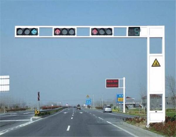 红绿灯杆的形式有哪几种?如何选择?