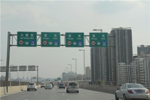 高速龙门架在使用的时候需要注意哪些?