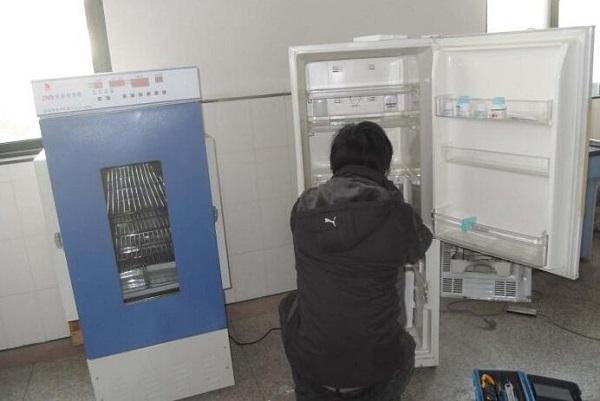 冰箱里面的小孔堵了怎么办?