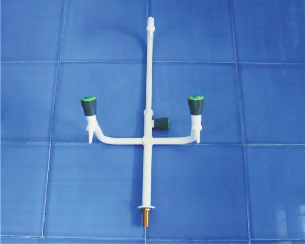 成都实验家具——三口鹅颈水龙头