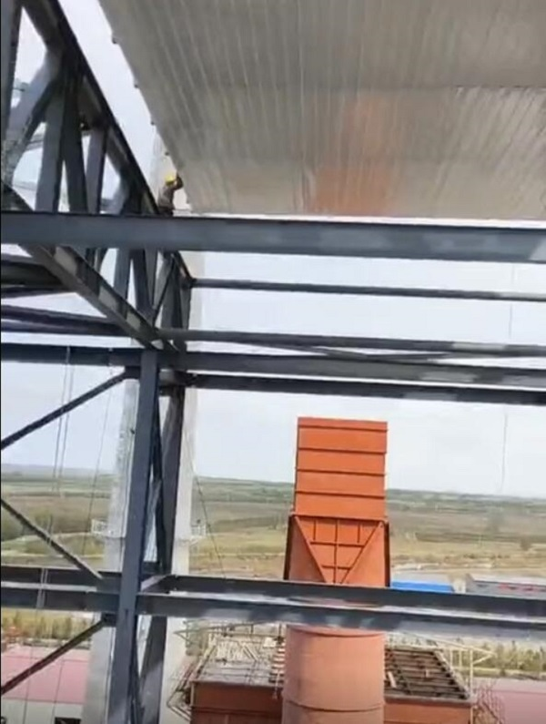 内蒙古钢结构建筑工程厂房屋架施工中