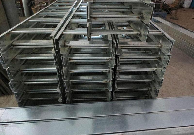 西桥成套电器来教大家如何增强西安梯式桥架的防腐性能