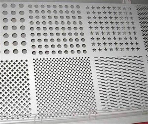 穿孔铝单板安装