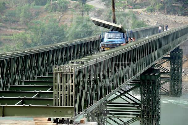 四川贝雷桥公司: 为什么公路抢险需要架设贝雷桥 ?