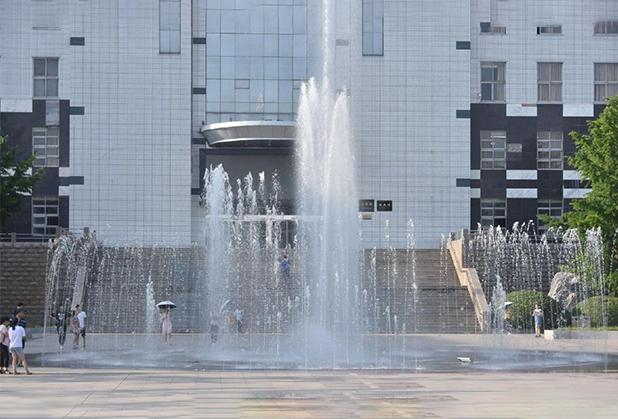 关于四川旱地喷泉设计和施工的注意事项!