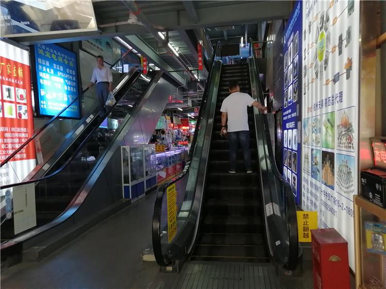 自动扶梯施工