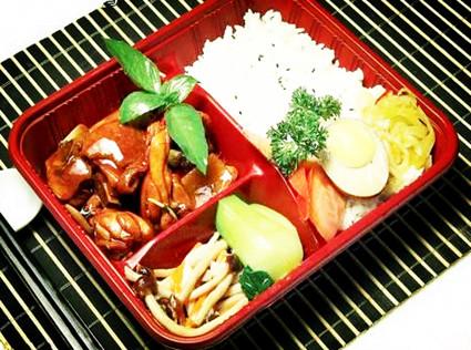 蔬鸡肉咖喱米饭套餐