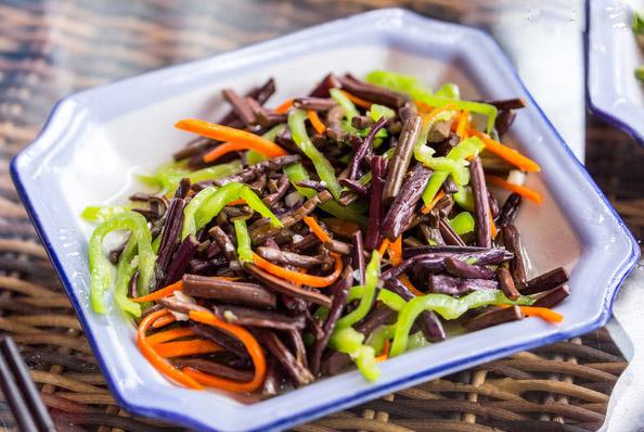 新乡清炒蕨菜