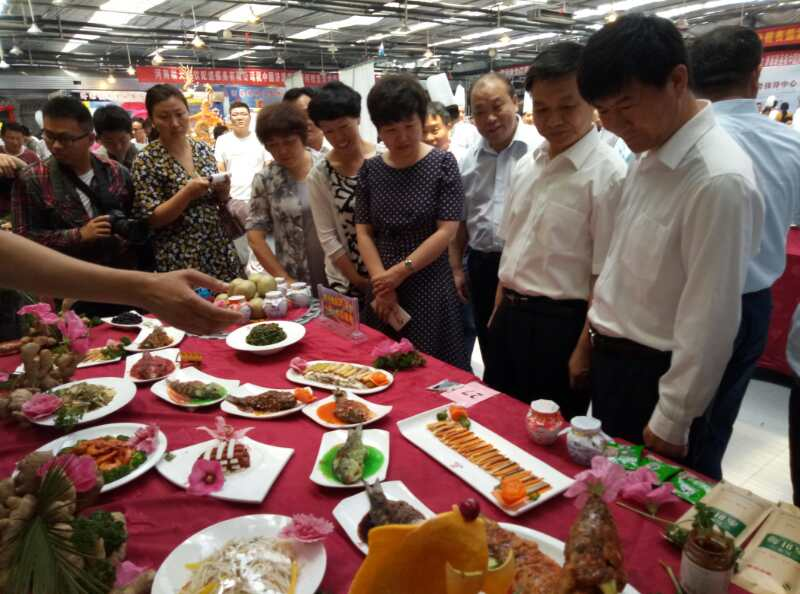 我大食代餐饮公司参加中国济源首届黄河鲤鱼美食大赛