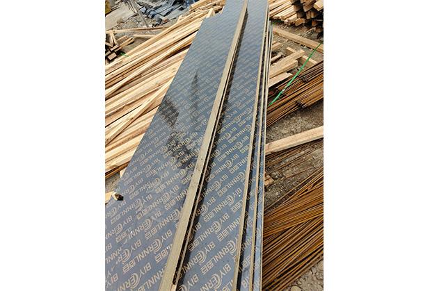 建筑用覆膜板施工