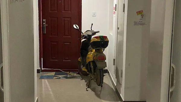 成都发布紧急通知 制止在楼梯间等处停电动车