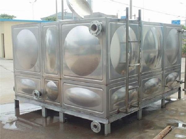 安装镀锌水箱案例