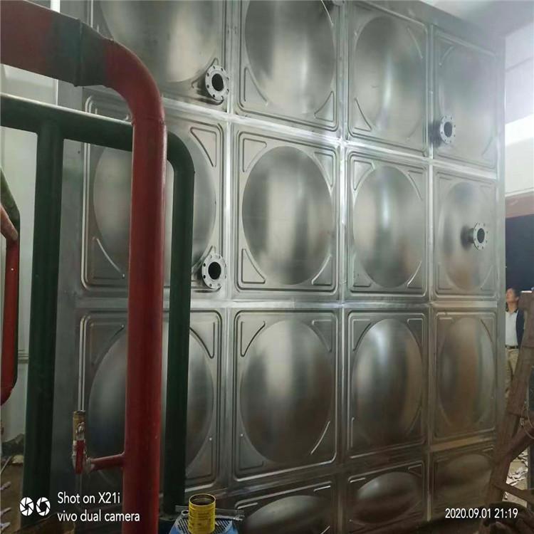 针对玻璃钢水箱可不可以装热水,玻璃钢水箱厂家给出了答案