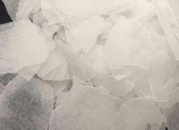 甘肃片碱和烧碱之间的区别是什么?