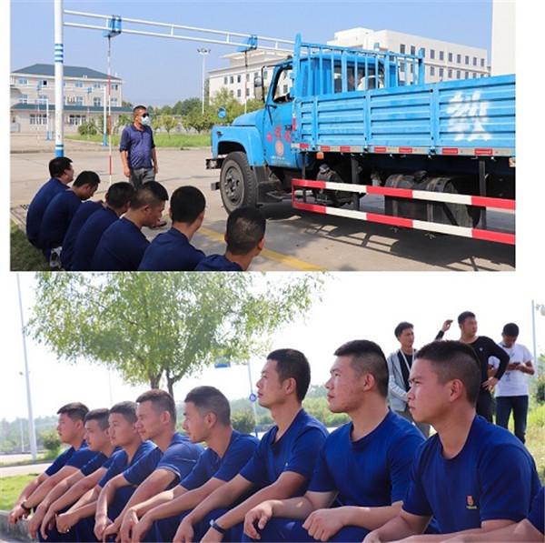 黄冈润通驾校消防学员在训练