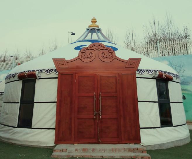 内蒙古蒙古包的木门下面的门槛高的三个原因