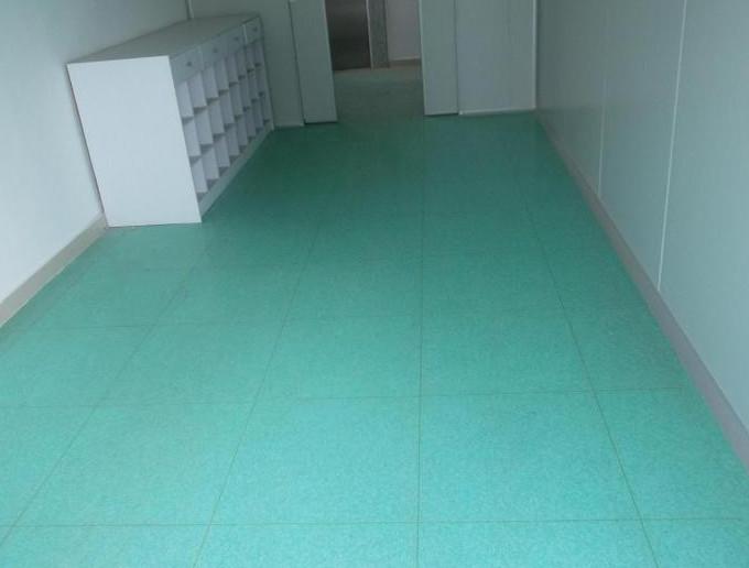 医院净化工程为什么都要使用PVC防静电地板?