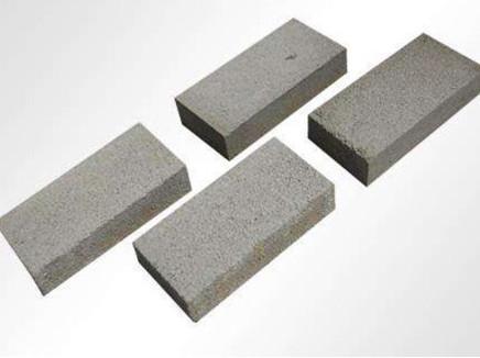 水泥砖的墙体出现裂纹怎么办?