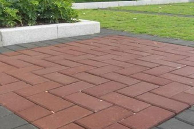 张家口面包砖地面铺装施工的三个工艺方法