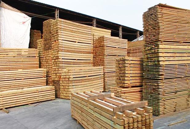 成都防腐木厂家