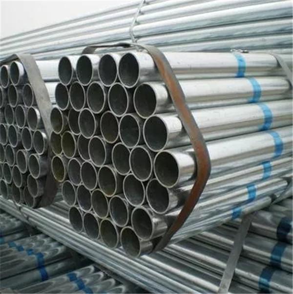 今天跟随榆林正强钢材小编一起去了解下衬塑钢管和镀锌管的区别