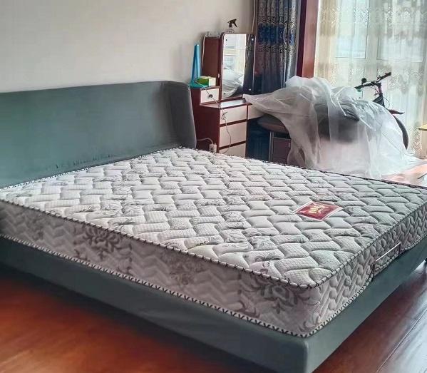 阿拉善床垫  弹簧床垫