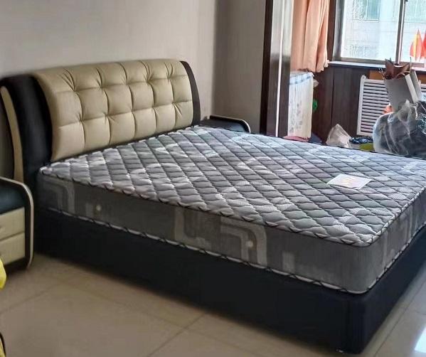 双人床床垫