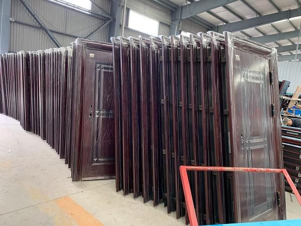 成都钢质门厂区环境