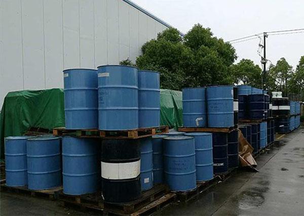 废机油在回收前该如何存放,镇江晶泓告诉您这些步骤。