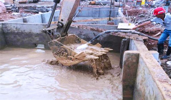 工地里的泥浆废水怎么处理才能环保?需要用到什么设备?