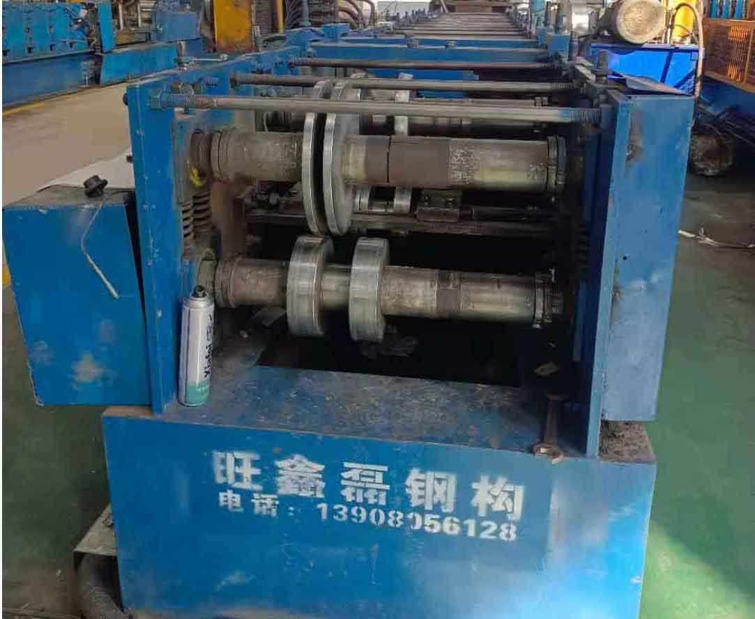 C/Z型钢设备展示