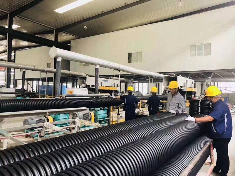 钢带增强螺旋波纹管生产车间