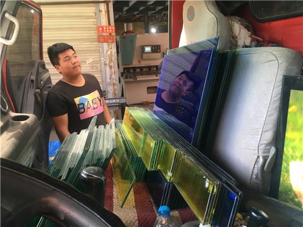 西安彩色夹胶玻璃厂家