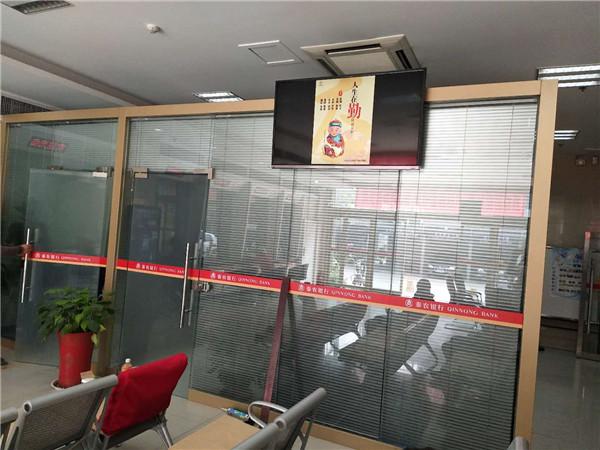 室内纯玻璃隔断