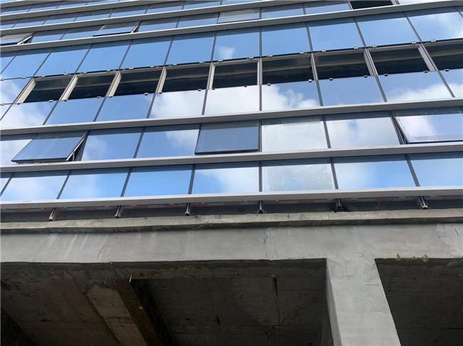 透亮玻璃装饰工程给大家介绍一下什么是夹胶玻璃、什么是中空玻璃?