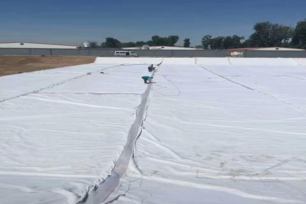 成都复合土工膜施工的关键步骤