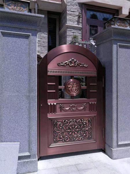 铜门厂家豫兴华的铜门与众不同
