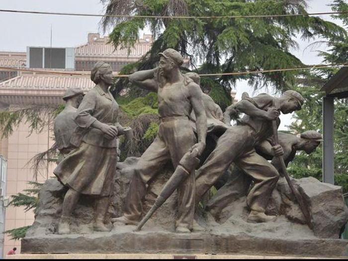 紅色革命人物雕塑
