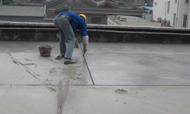 屋面出现渗漏的原因是什么