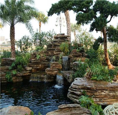 水过滤系统对于四川假山鱼池的重要性