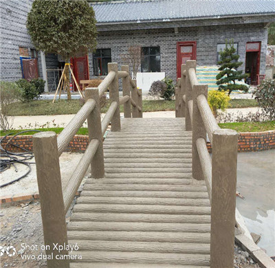 我们在维护四川仿木护栏前要注意哪些事项?