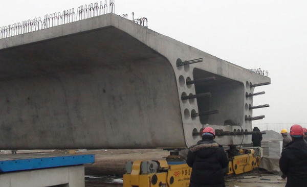河南橋梁空心板